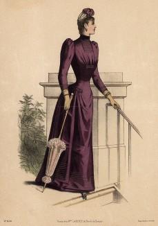 Изящное приталенное атласное платье для прогулок и кокетливый парасоль. Из французского модного журнала Le Coquet, выпуск 256, 1889 год